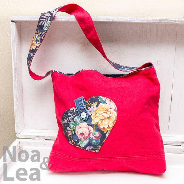 Upcycled trousers handbag by Noa & Lea Torba Upcykling, Torba ze spodni, Torba z jeansów   http://noa-lea.pl/index.php/pl/sklep/sklep-torby/58-wywracana-torba-upcykling-dwustronna
