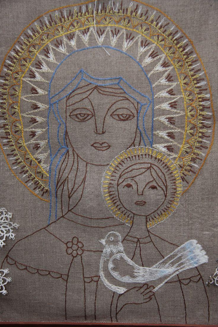 Madonna, haft jedwabiem na szarym płótnie, według grafiki Anieli Kardasz