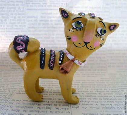 Sarabi hand made Ceramics  cat