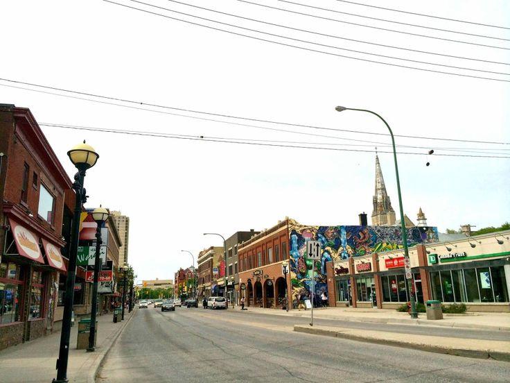 Osborne+Village+Winnipeg+|+www.rtwgirl.com
