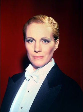 Gay Themed Films To Watch, Victor/Victoria http://gay-themed-films.com/films-to-watch-victorvictoria/