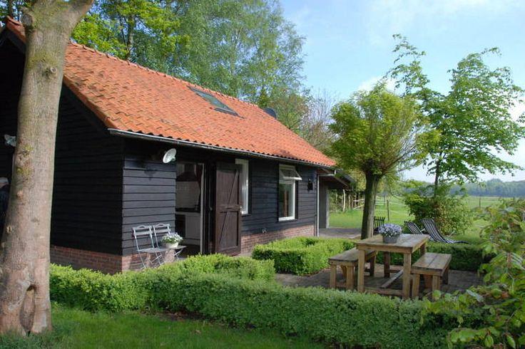 Prachtig gelegen vakantiehuis voor 4 personen te huur in Noord-Brabant. Deze accommodatie is gelegen in Heeze-Leende.