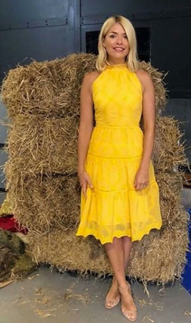 b980fe3e3825 Holly Willoughby in lovely yellow dress | Fashion & Style in 2019 ...
