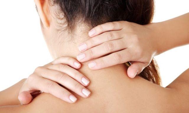 Πόνος στον αυχένα: Δύο μοναδικά γιατροσόφια για όλους