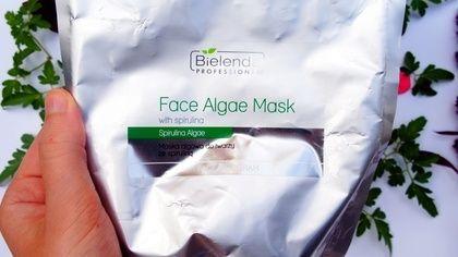 Masca facială cu alge și spirulină de la Bielenda Professional