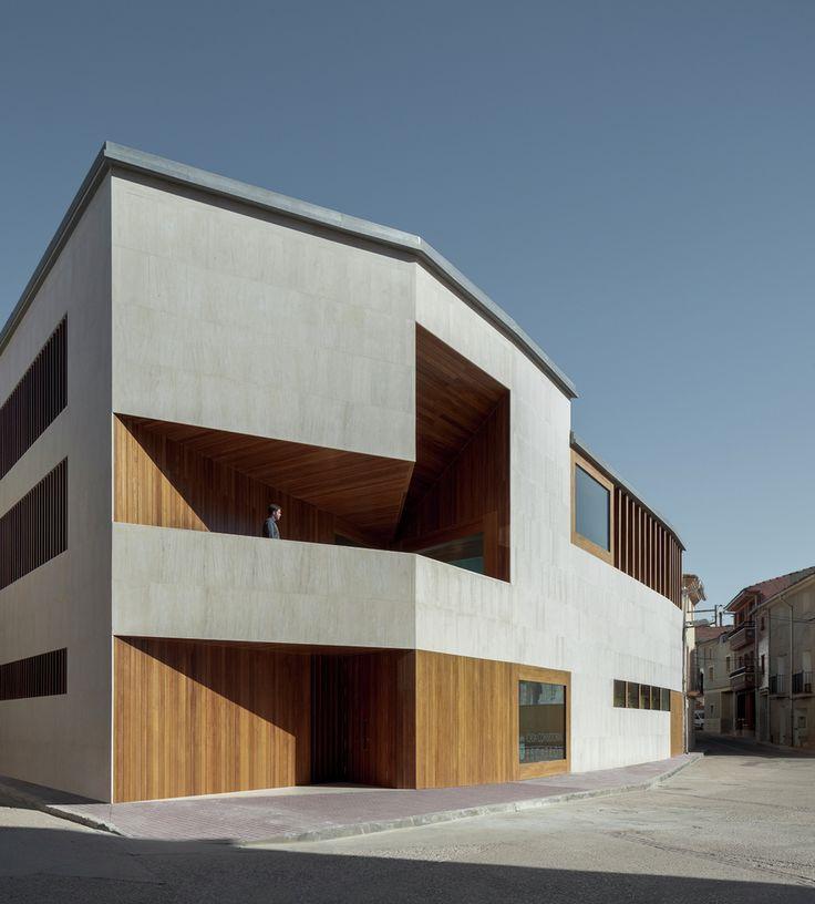 Galeria de Prefeitura de Escatrón / Magén Arquitectos - 1