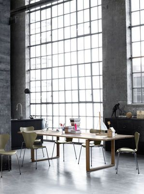 wood - natural oak for this large table -  Essay Table by Fritz Hansen