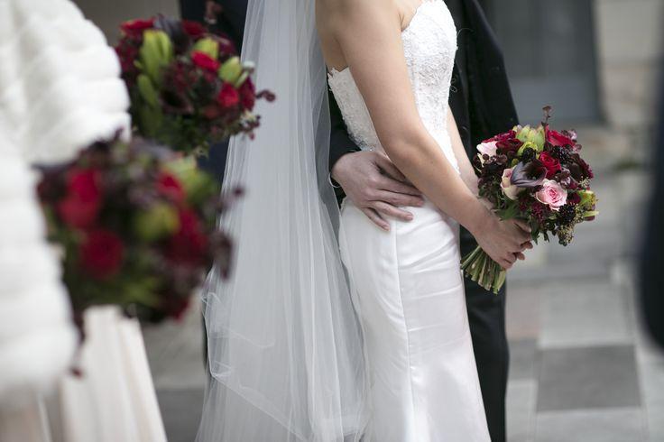 Bold red wedding bouquets #sydneyweddingflorist #redbouquet