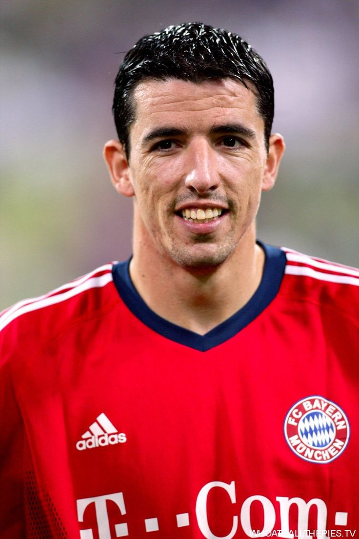 Roy Makaay (FC Bayern Munich, 2003–2007, 129 apps, 78 goals) in 2003.