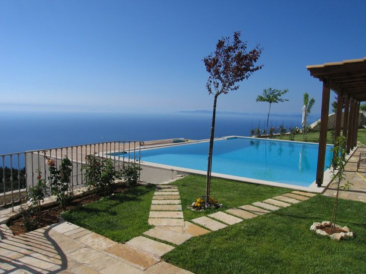 Executive Villa in Drymonas, Lefkada. Book now from 300€ / day! Accommodates up to 12 sleeps
