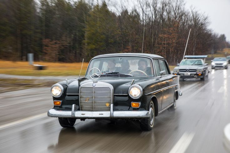 LeMons Rally Close-Up: The Knoxvegas Lowballers' Smoky 1966 Mercedes 200D - Roadkill