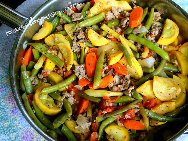 Sautéed Green Beans and Yellow Squash with Italian Sausages - so deliciously good and nutritious, too!