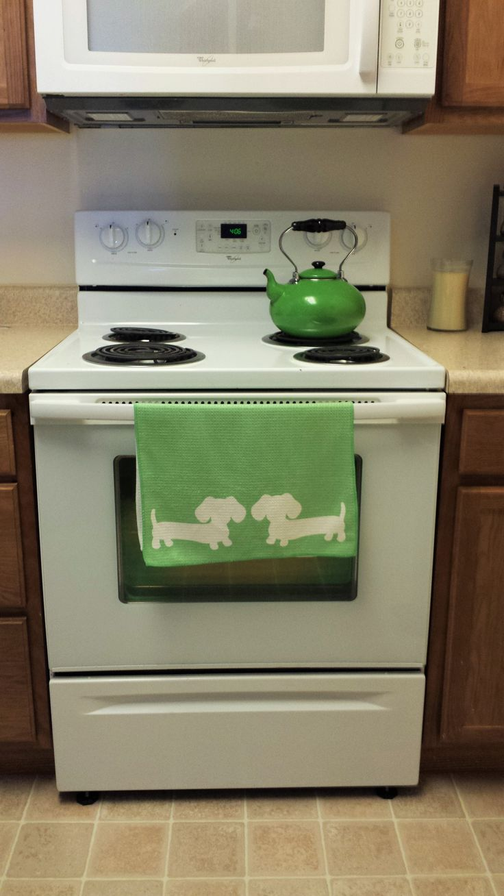 Dachshund dish towels in a wide variety of colors so dirty dishes aren't so dull.