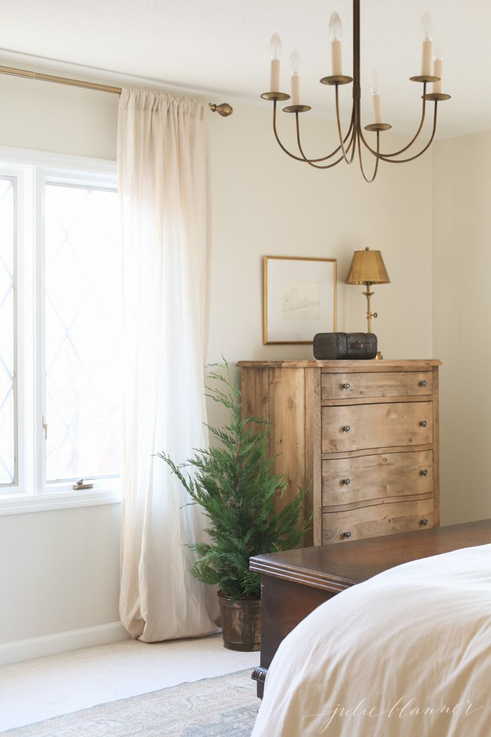 simple Christmas decorating ideas | traditional home decor