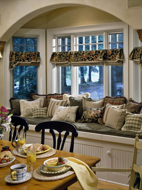 sweet and simple window treatment for french country dining/kitchen