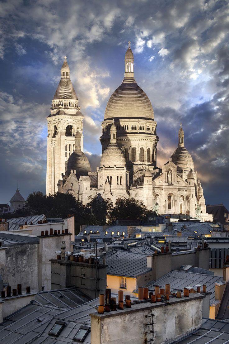 Sacré-Coeur bei Nacht – Eines der sehenswertesten Dinge in Paris