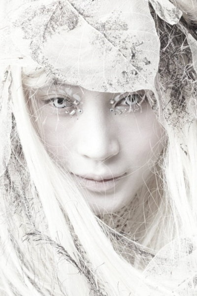 Whittled away by the erosion of light, I am a being of white hope and charm. I am every sound of thunder that screams exile. Kim Hye Soo. Photo by Kang Young-ho: Snow Queen, Korean Dramas, Ice Queen, Ice Princesses, Art Photography, Makeup, White Stuff, Nor Mythology, Eye
