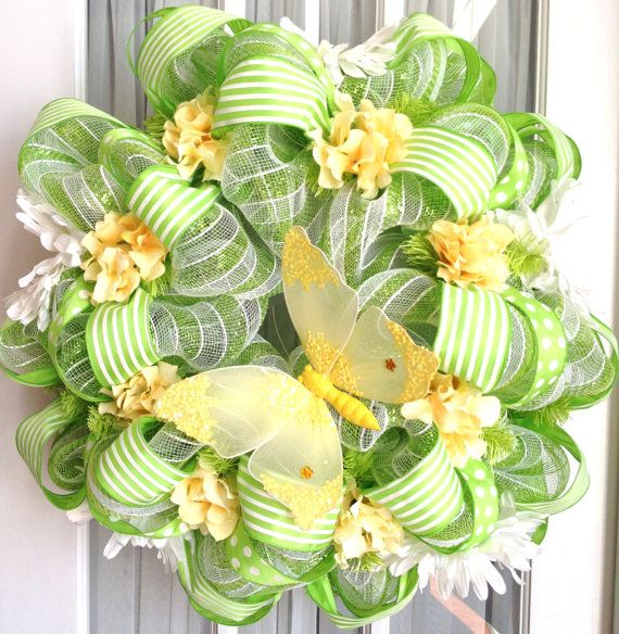 : Green White, Spring Summer, Wreath Ideas, Lime Green, Spring Wreaths, Mesh Wreaths, Wreath Lime, Deco Mesh