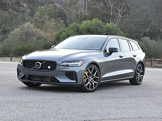 2020 Volvo V60 Hybrid Plug In T8 Polestar Engineered Eawd 2020 Volvo V60 T8 Polestar Engineered Gray Front Quarter View Exterior In 2020 Volvo V60 Volvo Volvo Cars