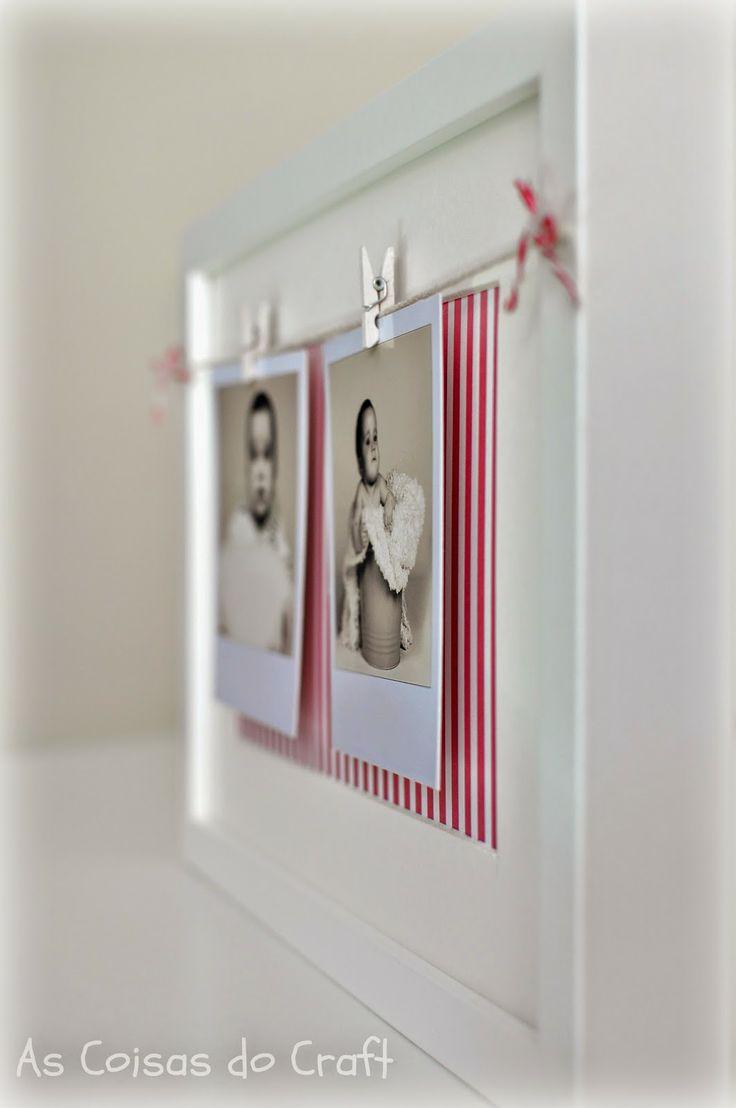 fotos, pinzas, cuerda y marco Ikea. Ah y papel estampado para el fondo.