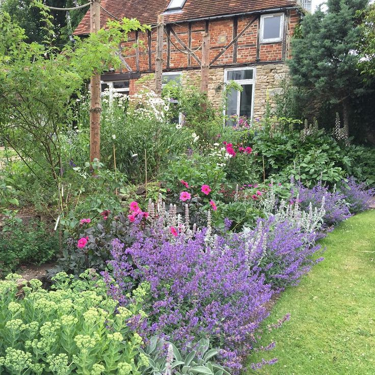 17 best images about garden dreams house garden on pinterest gardens delphiniums and - Countryside dream gardens ...