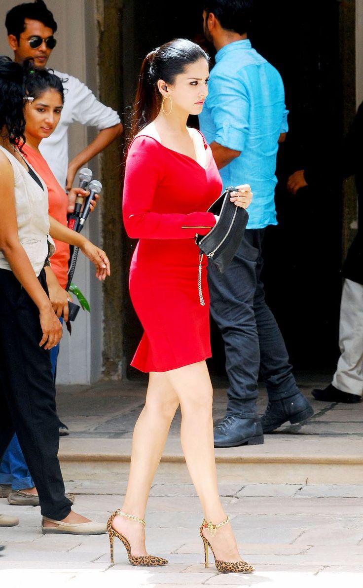Sunny Leone shoots for Splitsvilla Season 7 in Jaipur.***