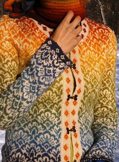 Gorgeous knitting effect--use a long-change self-striping yarn for the pattern, and a neutral for the background.