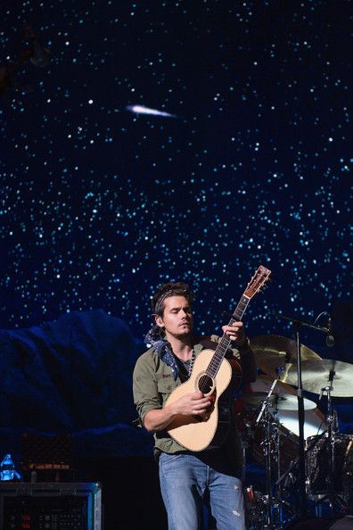 John Mayer performs at Tinley Park on August 9, 2013 in Chicago, Illinois.