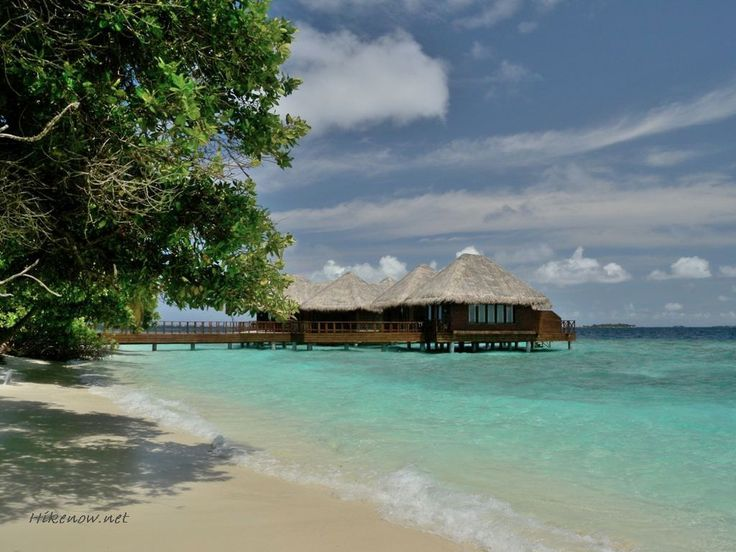 Holidays to Maldives islands are renowned for its atolls