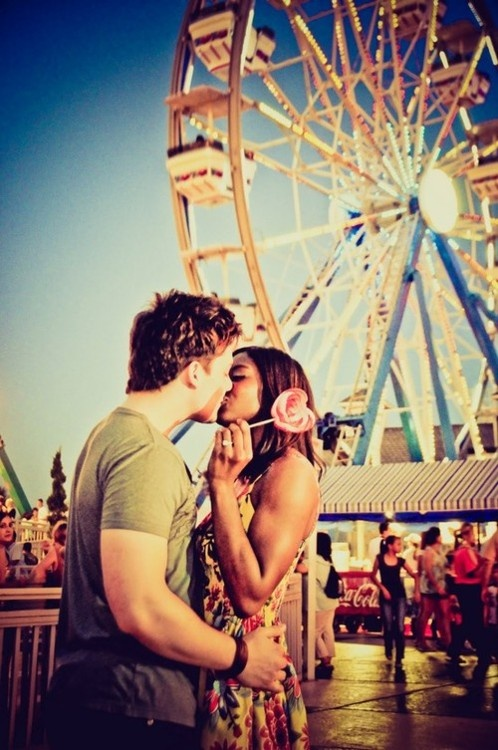 Posh Poses | Couples | Coney Island | Love & Lollipops | Colors | Late Summer Love