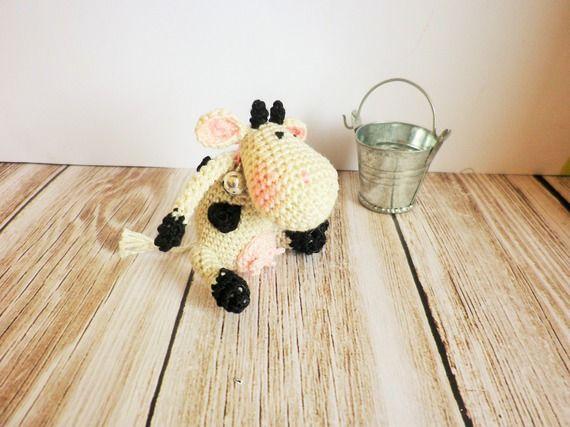 Réservé!!!!Vache crochet trés trés fin, miniature, coton mercerisé, art et collection, décoration, jouet unique