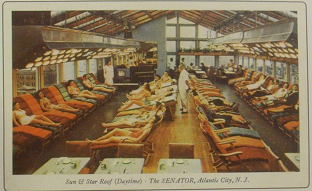 VINTAGE POSTCARD from 1950s in Atlantic City.  Sun Roof the coldest winter months at 'THE SENATOR HOTEL'