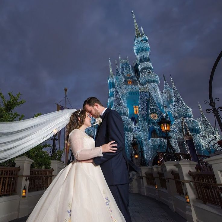 A Fairy Tale Disney Wedding Costs How Much Here S What You Ll Get