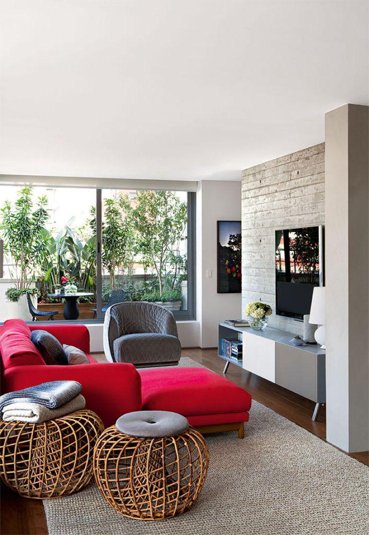 Projetado pela SAO Arquitetura, em São Paulo, este apartamento foi o vencedor da categoria do Prêmio Casa Claudia Design de Interiores 2015