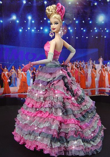 ๑Miss North Dakota 2009'. Not too into ruffles, but I like the multi colors