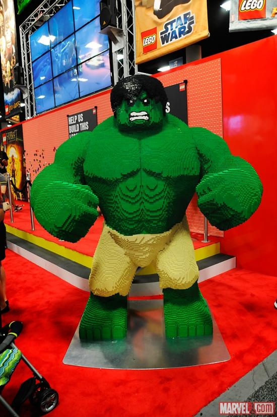 Check out this Lego Hulk at San Diego Comic-Con!