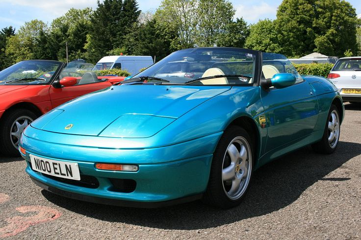 https://flic.kr/p/uKGD9Z | N100 ELN 1995 Lotus Elan M100 Series 2 | N100 ELN 1995 Lotus Elan M100 Series 2 on display at the Club Lotus Trackday event held at Castle Combe racing circuit in the county of Wiltshire on 23rd May 2015.