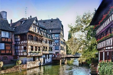 Alplerin Gölgesinde 5 Ülke Turu | Bahar ve Yaz Dönemi İsviçre / Fransa / Almanya / Liechtenstein ve İtalya'yı Kapsayan, 7 Gece 8 Gün Konaklama , Pegasus Havayolları İle Ulaşım , Transferler ve Rehberlik Hizmetleri Dahil 2.099 TL'den Başlayan Fiyatlar ( Nisan 2017 - Ekim 2017 arasında belirtilen tarihlerde ) * Tarihler ve fiyat bilgisi için lütfen hemen al butonunu tıklayınız !