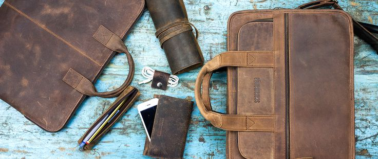We make shopping for Dad easy with our large collection of unique gifts for dad from laptop bags to vintage keepsake boxes. Gifts for men usually included ties, coffee mugs and cuff links, but for those who want to give … Continued