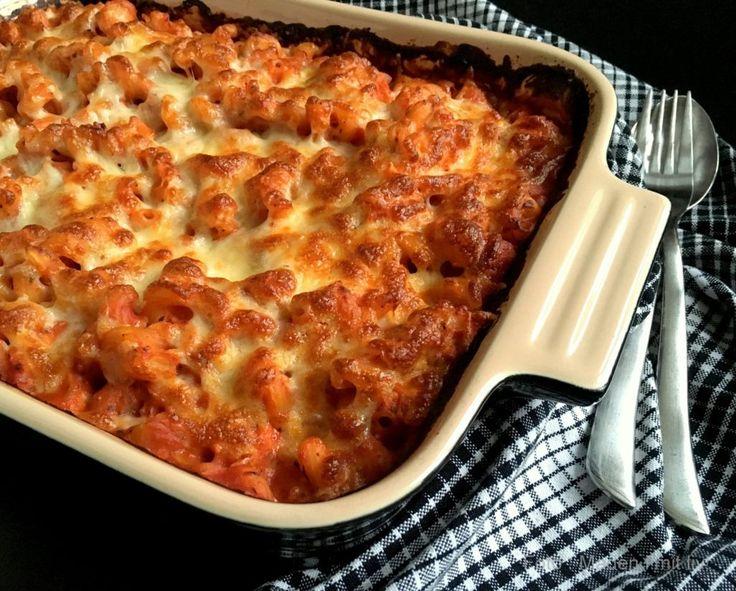 Kylling i fad med tomat, pasta og ost…