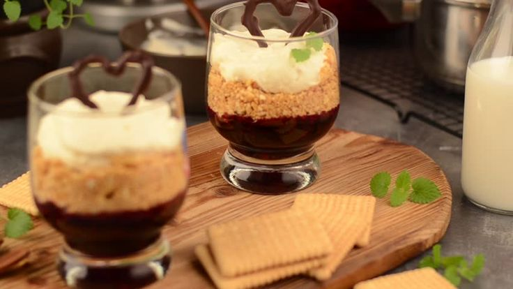 Cheesecake in glass serving footage