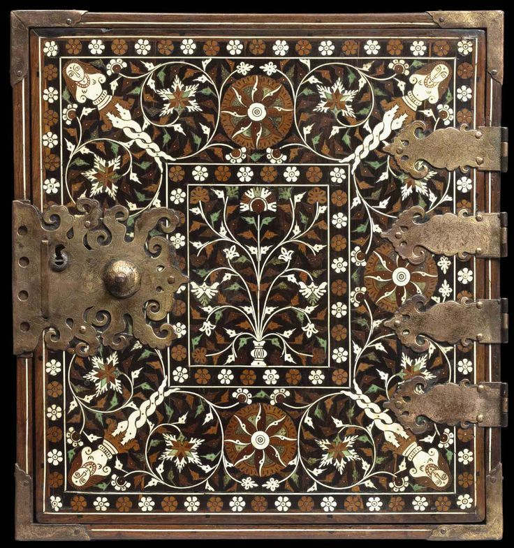 """Indo-Portuguese table cabinet """"Ventó"""". Mughal influence, 16th-17th century. Teak, ebony, other exotic woods, ivory, green-dyed ivory, gilt copper"""