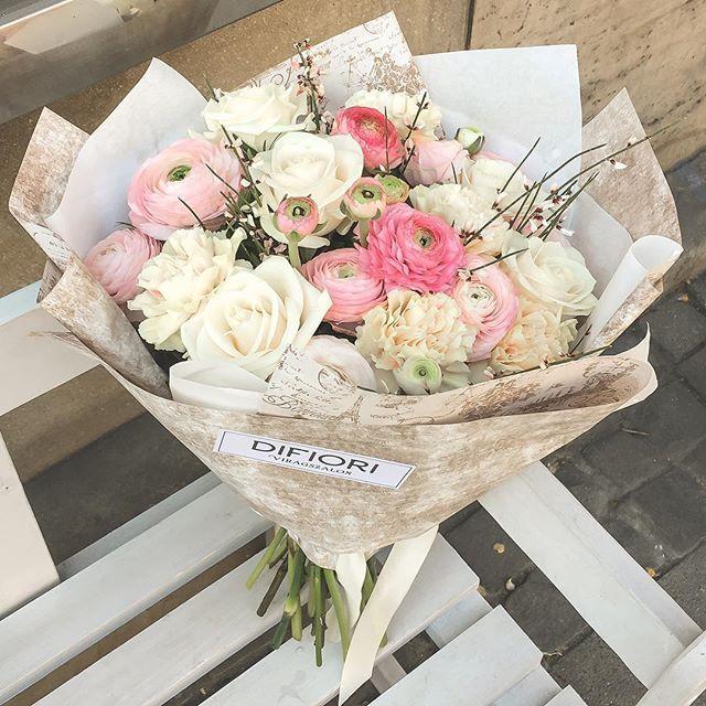 🌺 🌸  #bouquet #ranunculus #roses #difiori #floral  #DifioriVirágszalon #MonddElVirággal #SayItWithFlowers