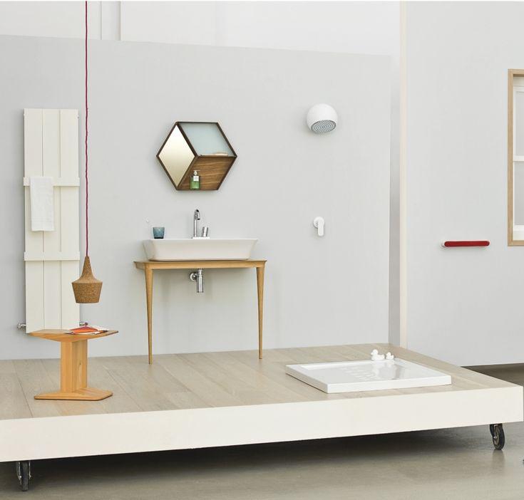 Basi in legno e lavabi ceramici, composizioni minimal e raffinate