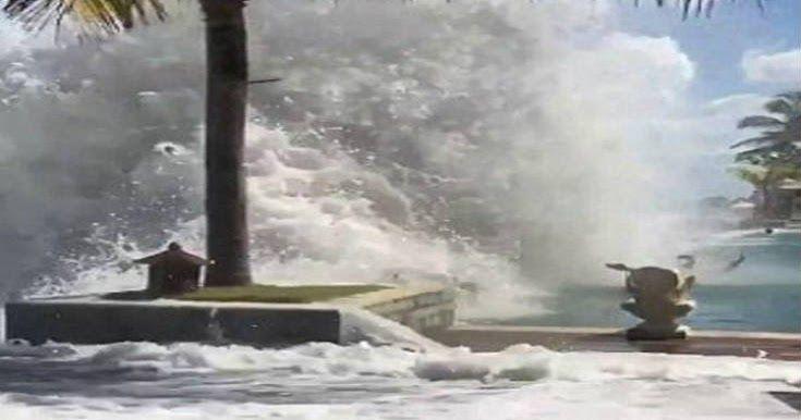 Τεράστια κύματα που θυμίζουν Τσουνάμι στο Νότιο Μπαλί