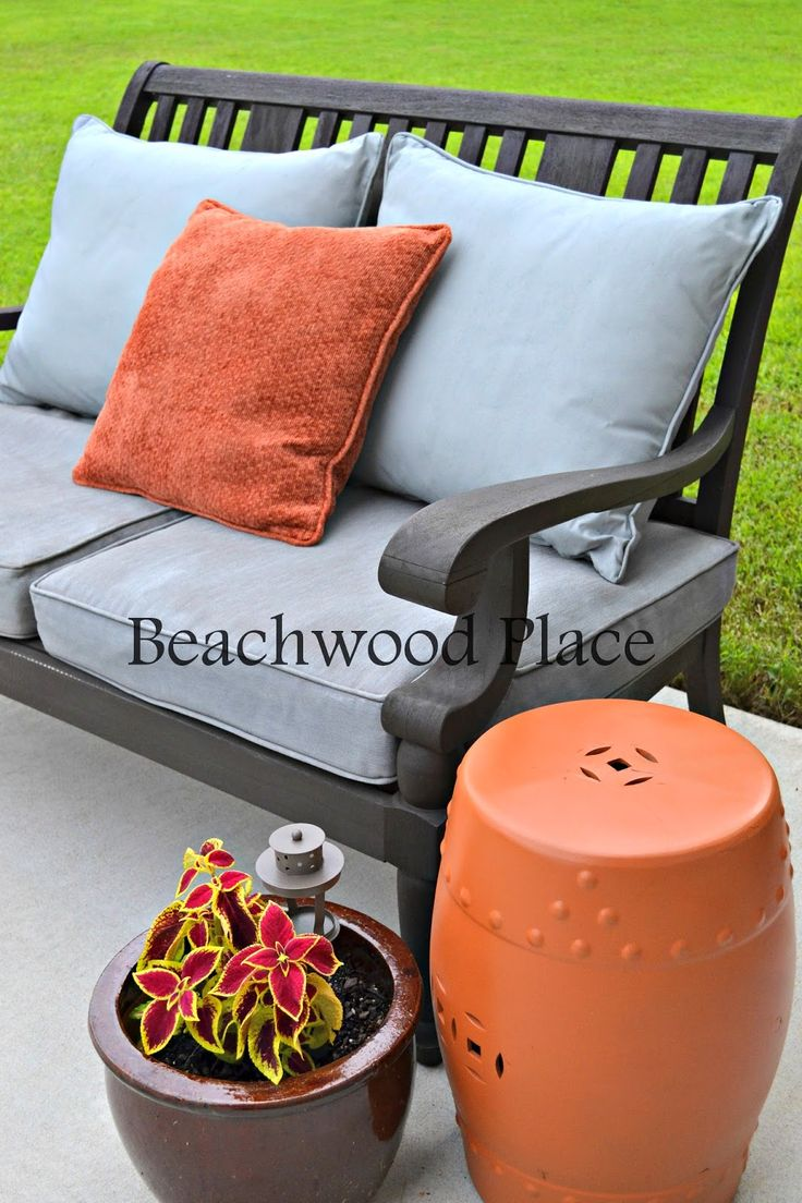 Diy painted patio furniture - Don T Throw Away Your Old Cushions Diy Chalk Painted Outdoor Cushions