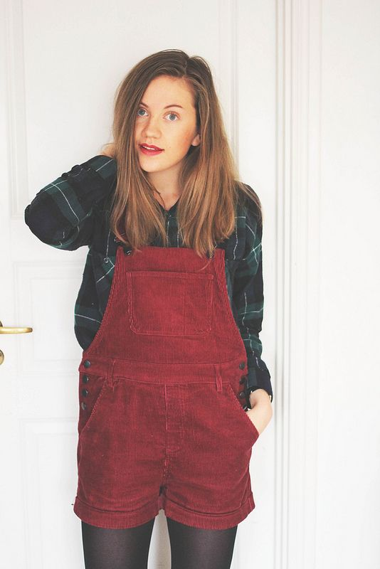 christmas cozy. What does a girl gotta do to find herself some red overalls cause I'm in love.