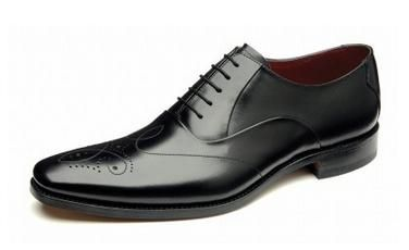 Loake Gunny is an elegant and fashionable oxford with unique brogue pattern  http://www.robinsonsshoes.com/loake-gunny.html