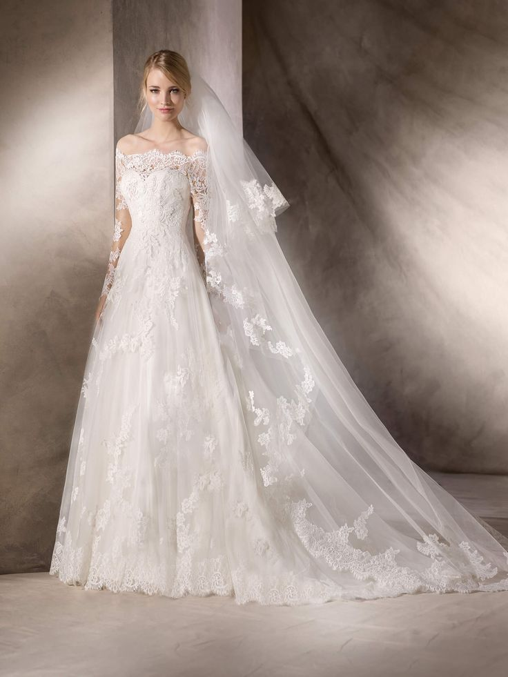 Unique HAFORD is a delightful princess dress that brings together tulle lace and embroidery The La Sposa Wedding