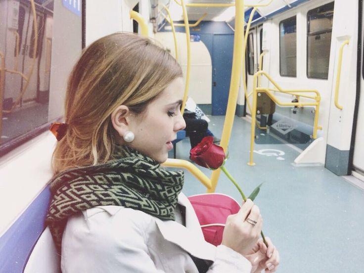 Rocío , mi favorita de Swet California celebta el dia de San Valentín. Quien le habra regalado esa rosa ?